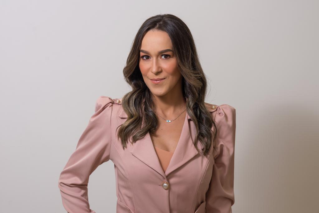 Dra. Camila Santos Cruz